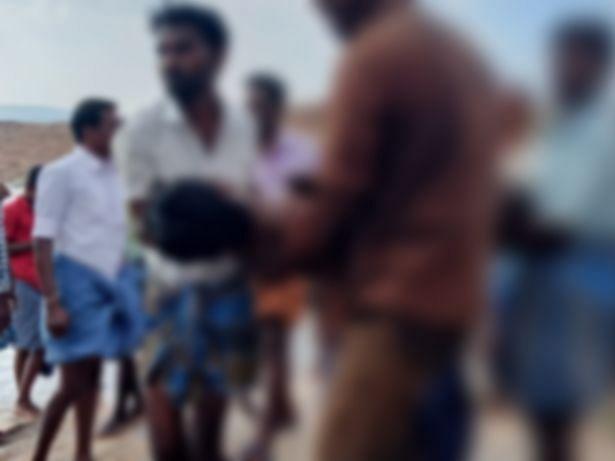 கரூர்: கரையொதுங்கிய உடைகள்! குளத்தில் குளிக்கச் சென்ற சகோதரர்களுக்கு நேர்ந்த சோகம்