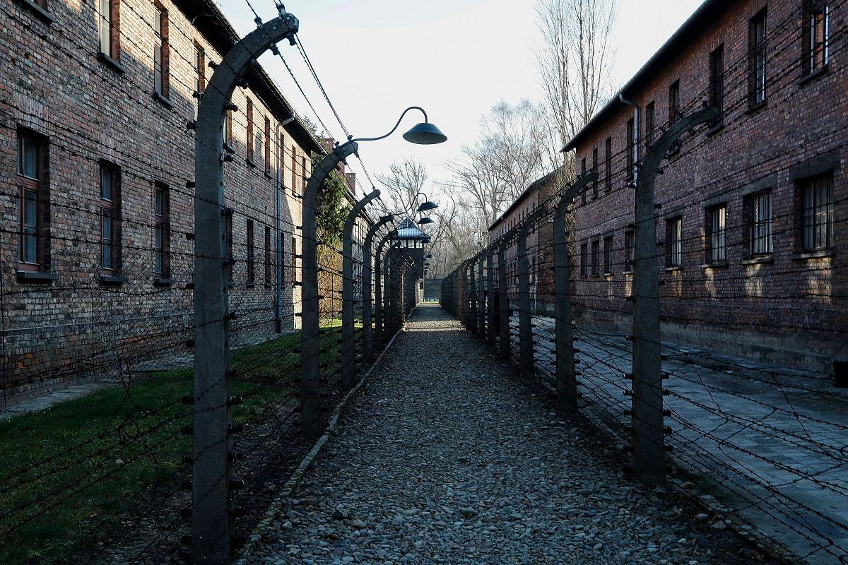 நாஜிக்கள் அமைத்த நரகம்   Nazi death camp of Auschwitz I in Oswiecim, Poland