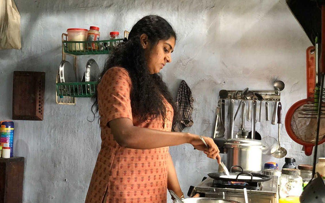 தோழிகளே... தி கிரேட் இந்தியன் கிச்சனும் உங்களிடம் சில கேள்விகளும்! #AvalVikatanPoll