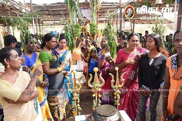 கும்பாபிஷேக விழாவில் பங்கேற்றோர்