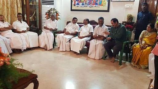 தைலாபுரத்தில் பா.ம.க - அ.தி.மு.க தலைவர்கள்