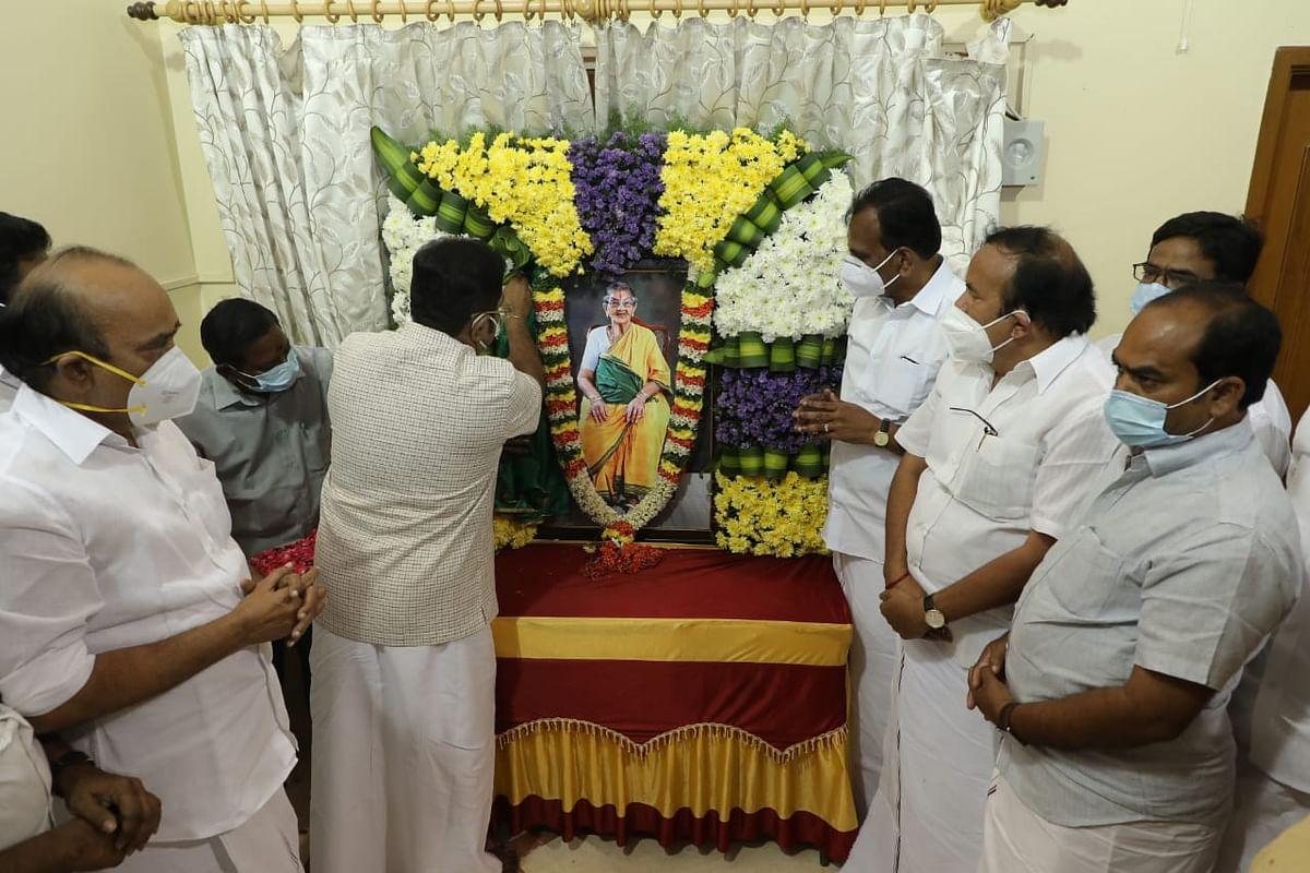 மனோகரனின் தாயார் ராமலெட்சுமி அம்மாள்