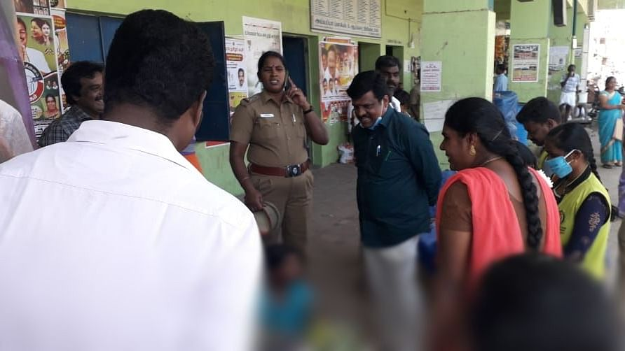 கடைகளில் ஆய்வு செய்த குழந்தைகள்நலக் குழுவினர்