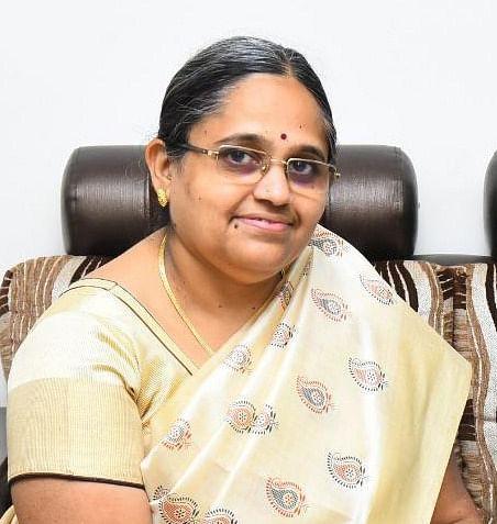 வழக்கறிஞர் ஆதிலட்சுமி லோகமூர்த்தி