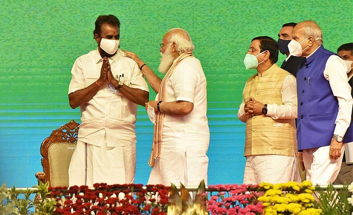 """மிஸ்டர் கழுகு: """"ஒரு தொகுதி குறைந்தாலும் கூட்டணி வேண்டாம்!"""" - கறார் காங்கிரஸ்"""