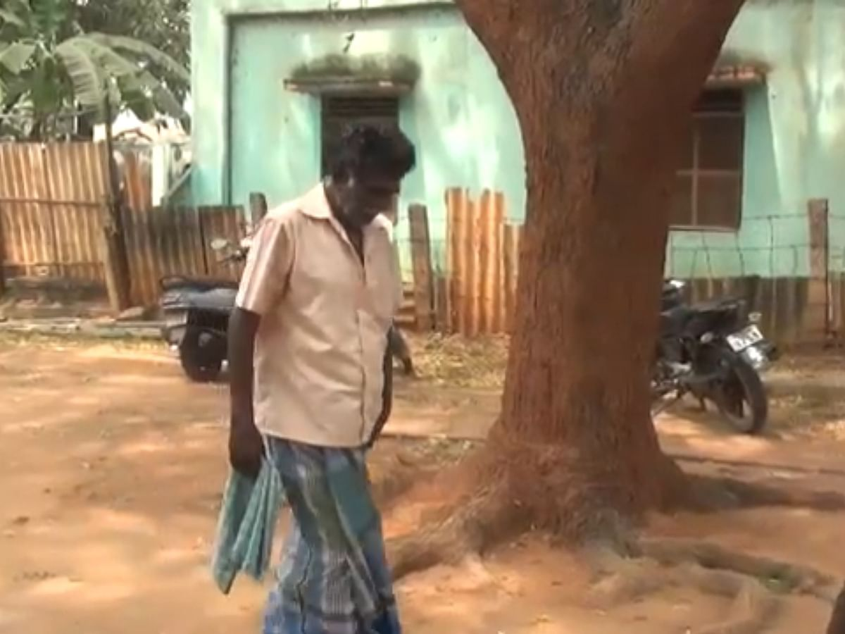 சிவகங்கை: `மீன் குழம்புதானேவெக்கச் சொன்னேன்!' - மனைவியைக் கோடரியால் தாக்கிய கணவர்