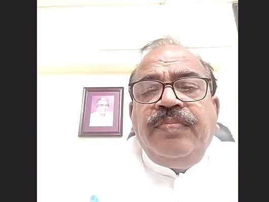 `சிறந்த பேச்சாளர் ஆவதற்கு, உறுதியான லட்சியம் வேண்டும்!' -  நாஞ்சில் சம்பத்