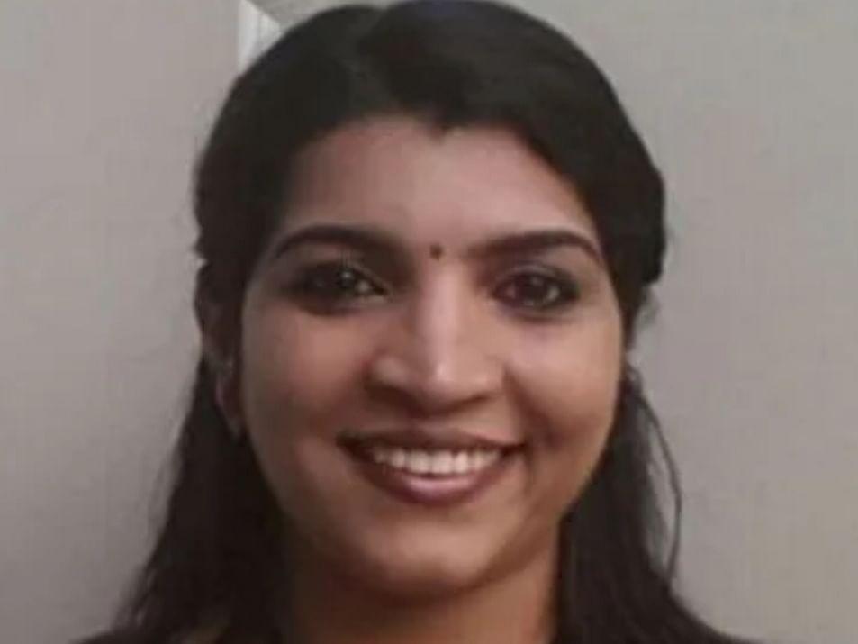 கேரளா: சரிதா நாயரின் ஜாமீன் ரத்து; பிடிவாரன்ட்! -சோலார் மோசடி வழக்கில் மீண்டும் பரபரப்பு