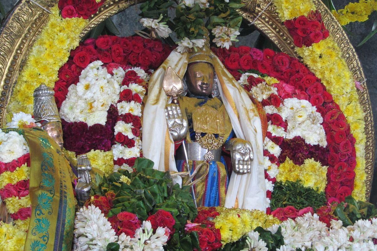 திருமண கோலத்தில் முருகப்பெருமான் - வள்ளி