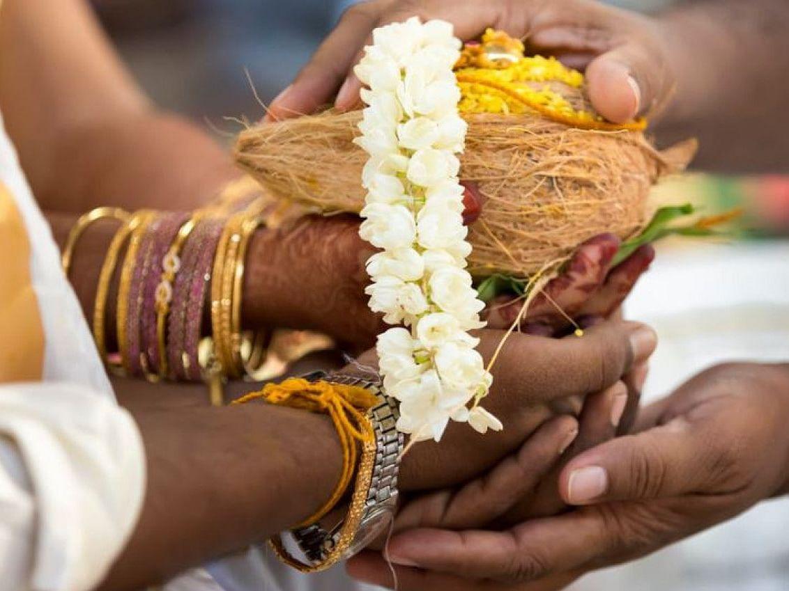மெய்ப்பொருள் காண்பது அறிவு... 6 - தேங்காய், பழம்