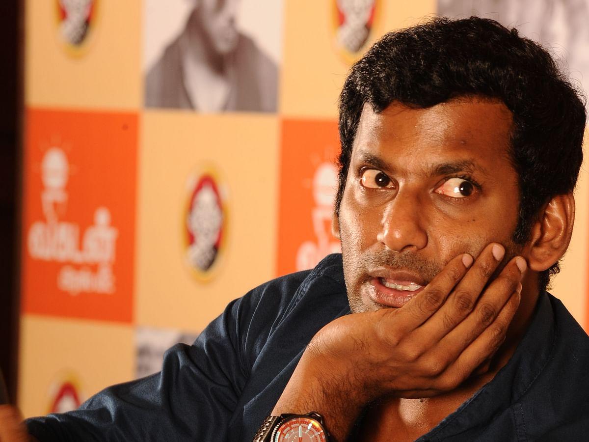விஷாலின் வாழ்வா சாவா பிரச்னை... 'சக்ரா' ரிலீஸாகுமா?! #Chakra