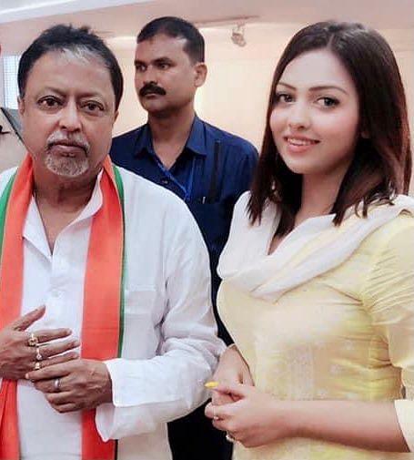 முகுல் ராயுடன் பமீலா கோஸ்வாமி