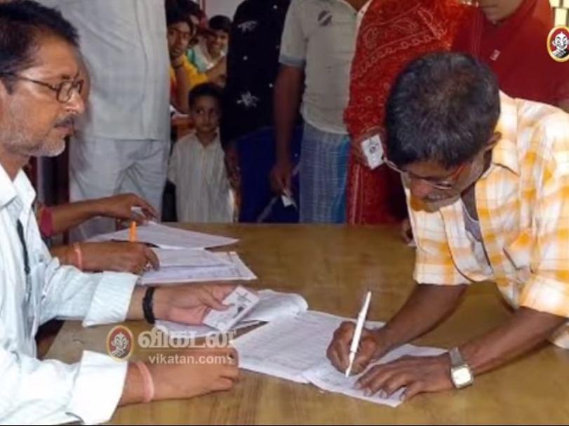 தேர்தல் பணி: அரசு ஊழியர்களுக்கு கொரோனா தடுப்பூசி கட்டாயமா? எதிர்ப்பும் ஆதரவும்