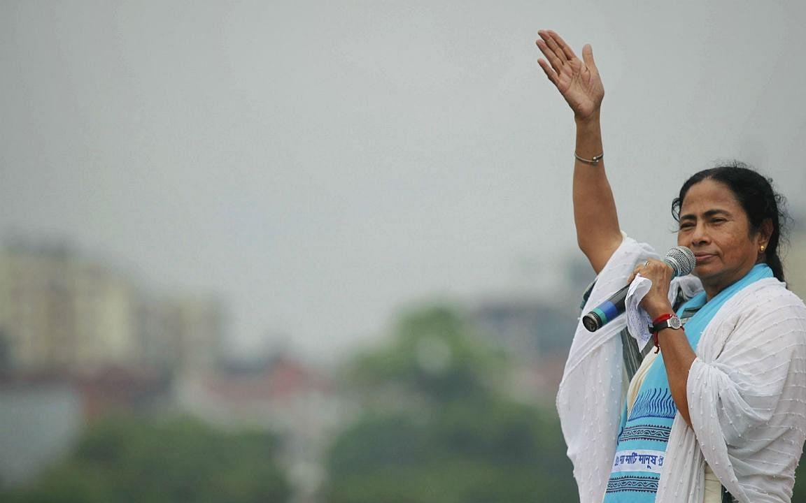 தீ…தி - 2: Mood swing அரசியல்வாதி என ஏன் விமர்சிக்கப்பட்டார் மம்தா பானர்ஜி?!