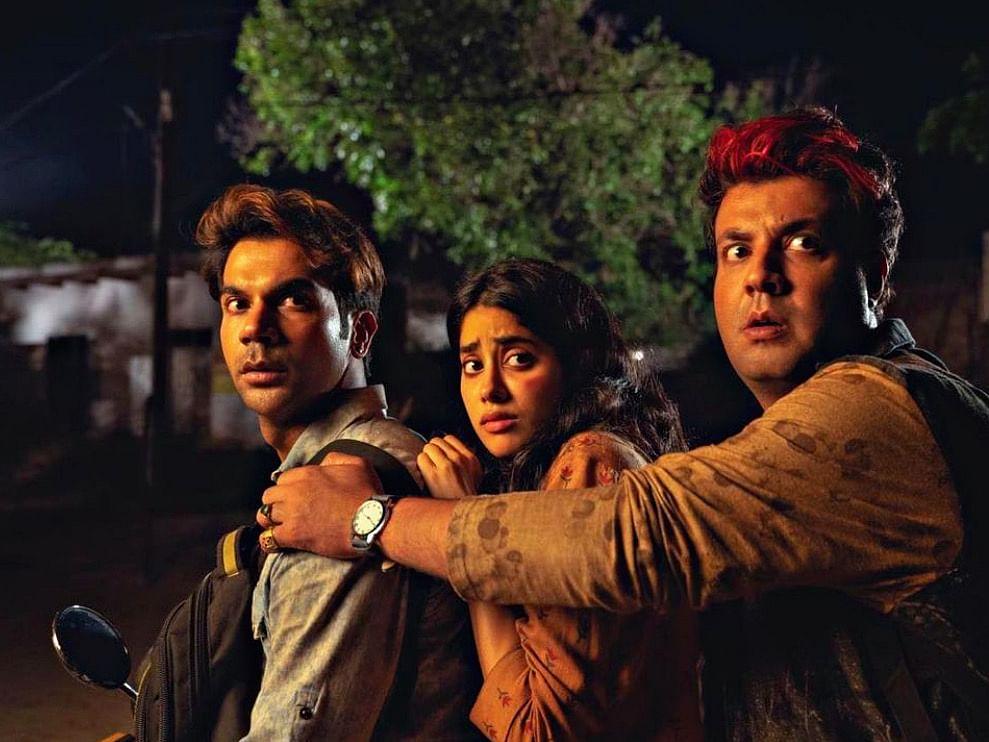 ஒரு பெண்ணை கடத்துறாங்க... ஆனா, அது பெண் அல்ல பேய்?! #Roohi விமர்சனம்