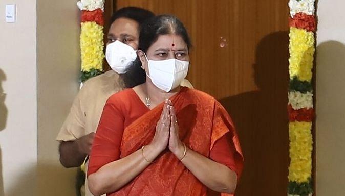 சசிகலா,தினகரன்