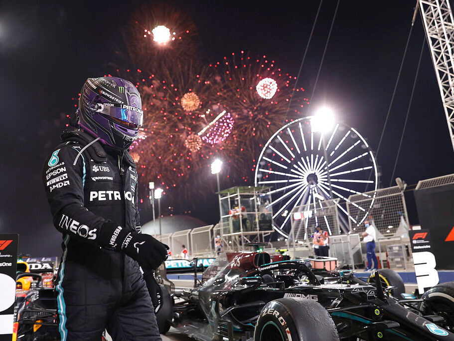 Formula 1 : அட்டகாசமாகத் தொடங்கியது ஹாமில்டன் Vs வெர்ஸ்டப்பன்... மிரட்டல் ரேஸில் முந்தியது யார்?!