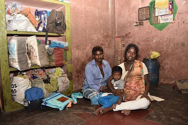 குடும்பத்துடன் சந்தோஷ்
