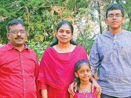 குடும்பத்துடன் ரமண கைலாஷ்