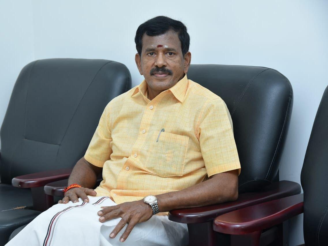 Tamil News Today: அ.தி.மு.க முன்னாள் அமைச்சர் தோப்பு வெங்கடாசலம் நாளை தி.மு.க-வில் இணைகிறார்!