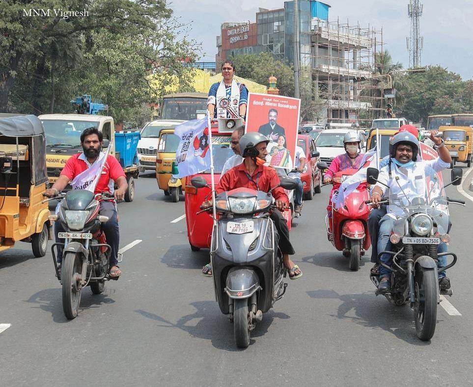 சினேகா மோகன்தாஸ்