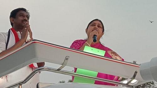 பிரசாரத்தில் நடிகை விந்தியா
