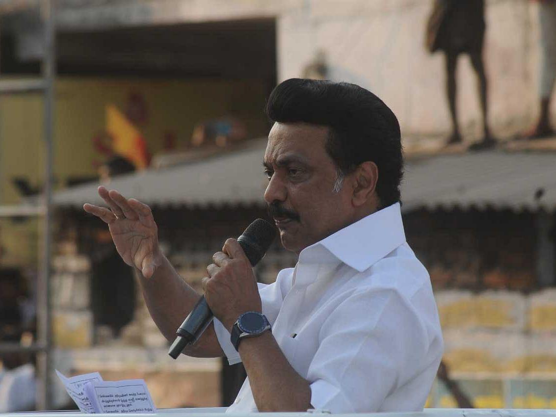 'மணல் திருட்டு விஜயபாஸ்கர்!' - கரூரில் ஸ்டாலின் ஆவேசம்