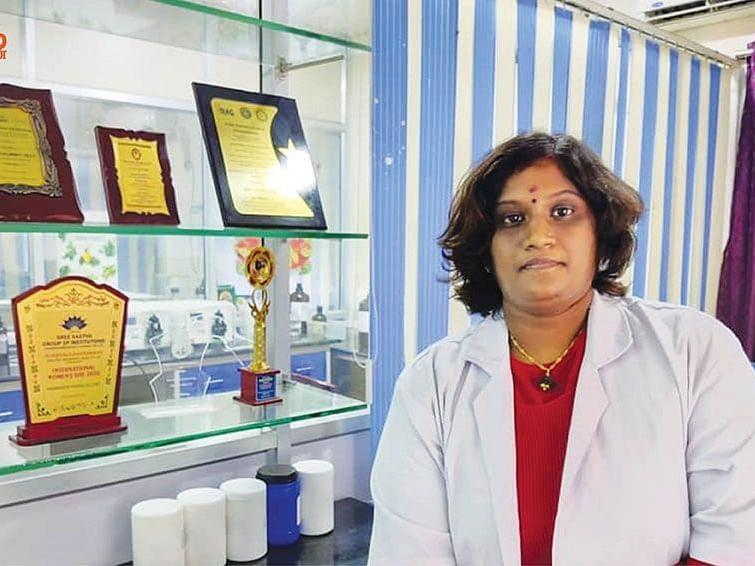 மேனகா மகேந்திரன்