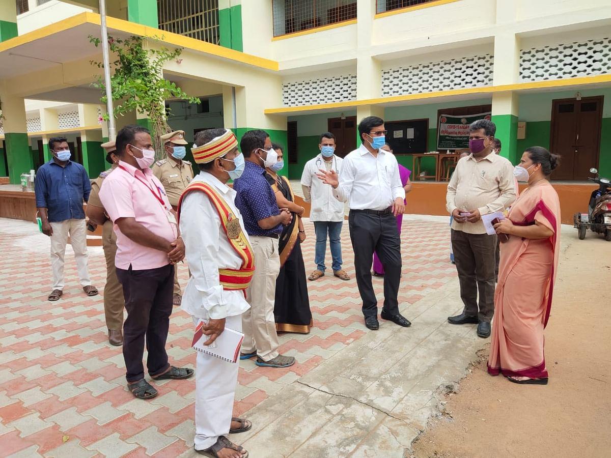 தஞ்சாவூர்: ஒரே பள்ளியைச் சேர்ந்த 56 மாணவிகளுக்கு கொரோனா - கண்காணிப்பில் 24 கிராமங்கள்