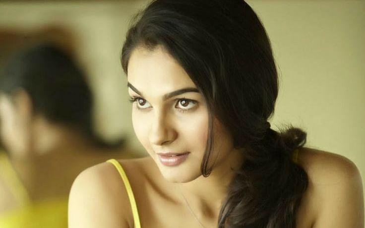 ஆண்ட்ரியா சொன்ன அந்த `ரிலேஷன்ஷிப் மிஸ்டேக்'... நீங்களும் செய்றீங்களா? #AllAboutLove - 6