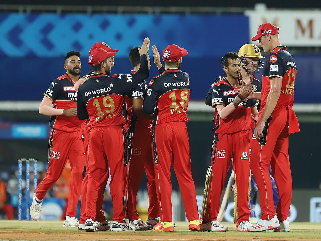 IPL 2021: ஓப்பனிங் மேட்ச்னா அப்படித்தான்... ஒதுங்கிய மும்பை; கணக்கைத் துவக்கிய கோலி & கோ! #MIvRCB