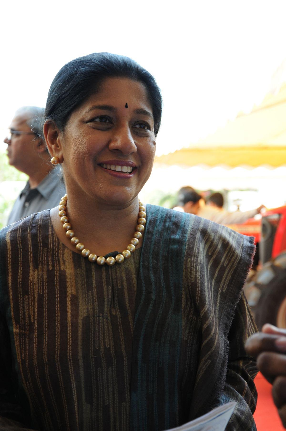 மல்லிகா சீனிவாசன்