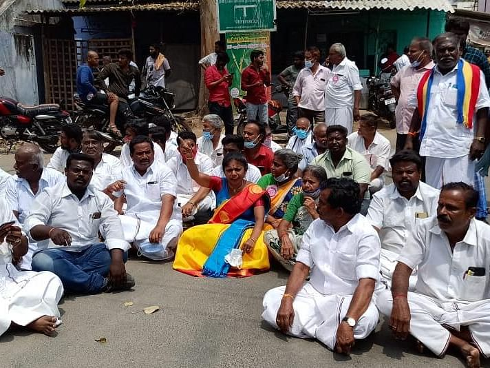 ஆத்தூர்: `கொன்னுடுவேன்னு மிரட்டுறாங்க!' - திமுக-வினர் மீது பாமக வேட்பாளர் குற்றச்சாட்டு