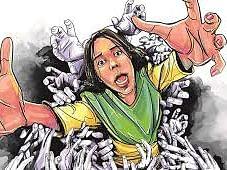 புனே: `காதல் விவகாரம்' - மகள்களை லாரி ஏற்றிக் கொன்றுவிட்டு தற்கொலை செய்துகொண்ட தந்தை?