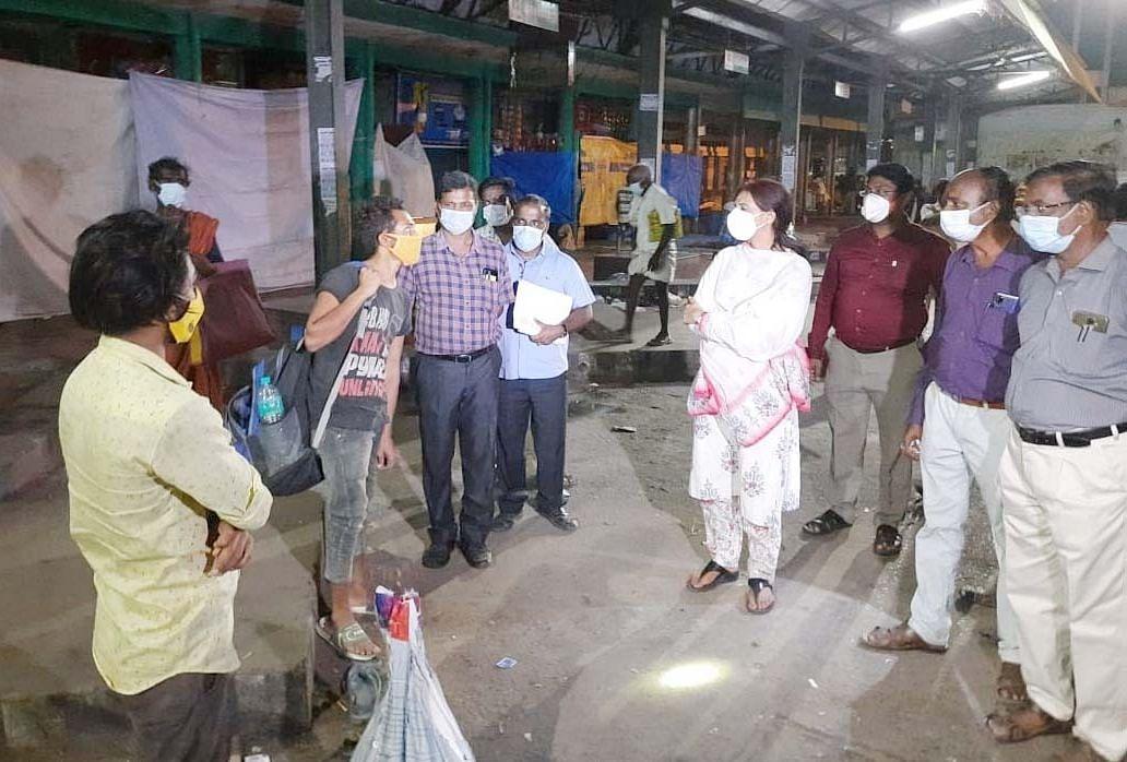 ஆய்வு  மேற்கொண்ட மாவட்ட ஆட்சியர்