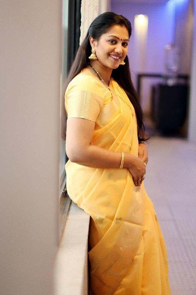 நடிகை ராதா