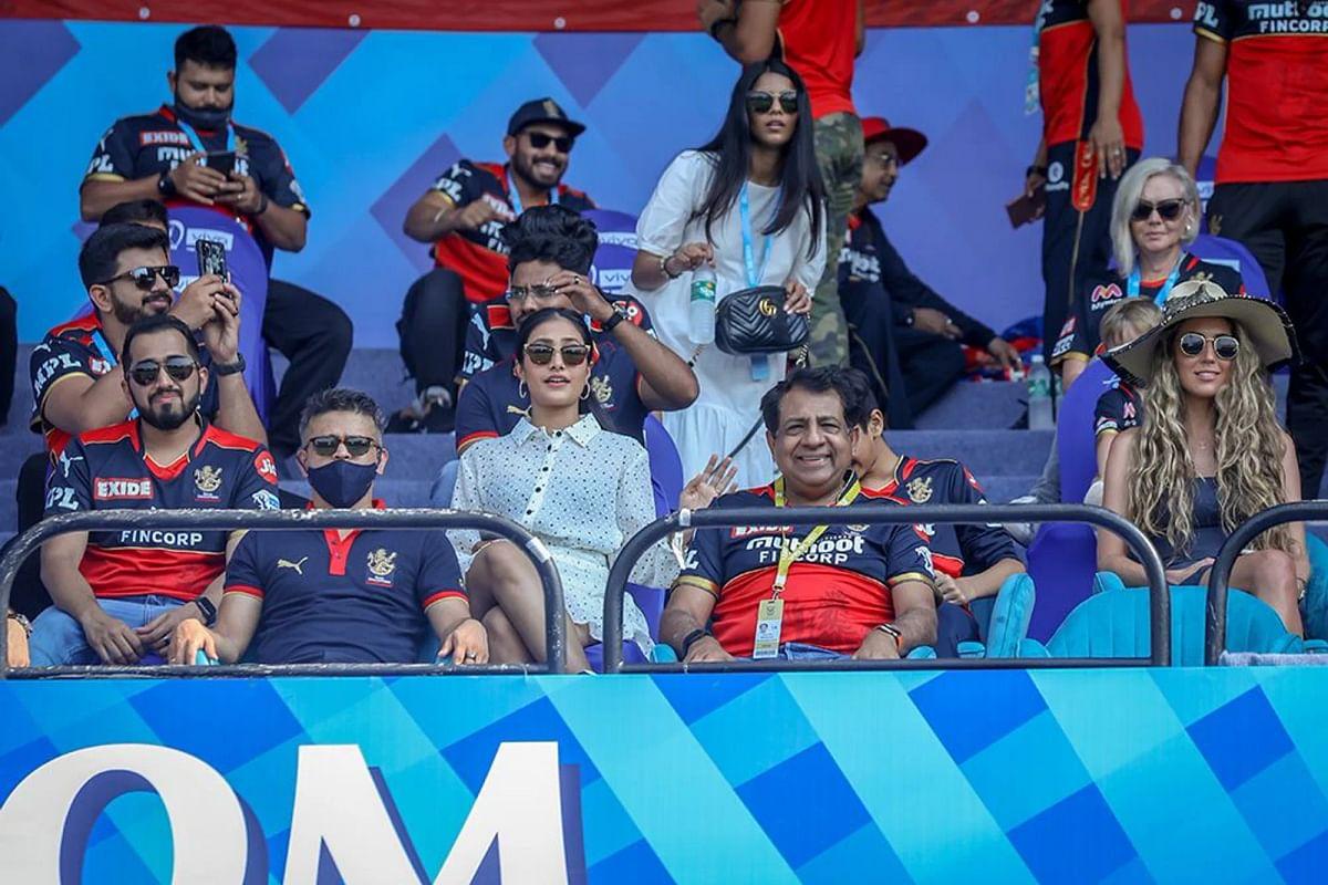 DREAM 11 தடை, திணறும் பேட்ஸ்மேன்கள்,  சொதப்பும் க்ளஸ்டர் கேரவேன் மாடல்… IPL 2021 தொடர்ந்து நடக்குமா?