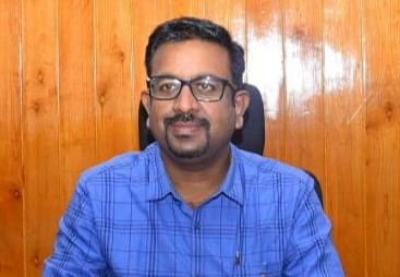 கலெக்டர் தினேஷ் ஆலிவர் பொன்ராஜ்