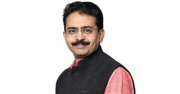 குஜராத் காங்கிரஸ் மேலிடப் பொறுப்பாளர் ராஜீவ்
