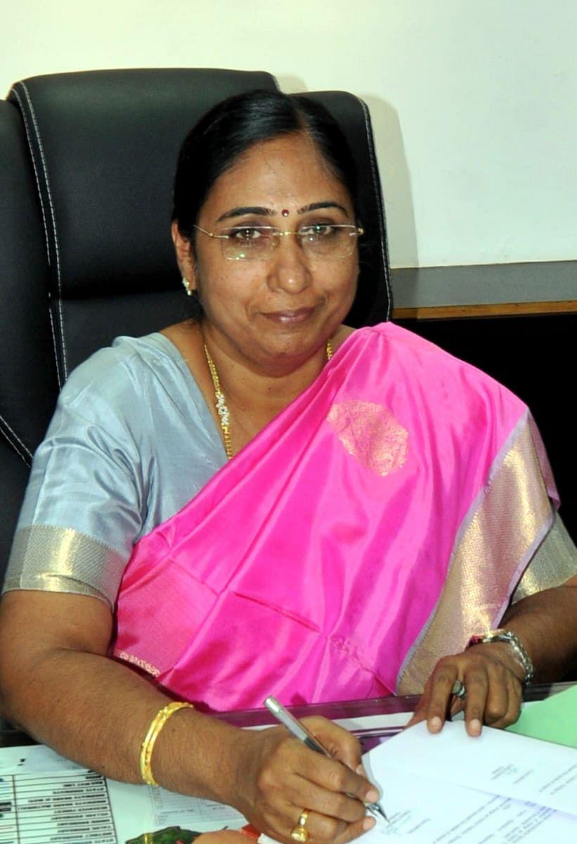 விஜயலெட்சுமி - மாவட்ட ஆட்சியர்