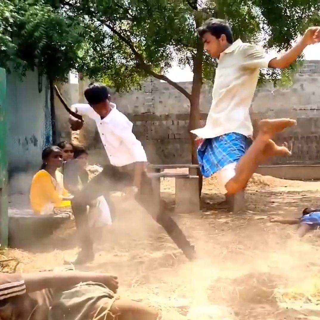 வக்கீல் சாப் வைரல் வீடியோ