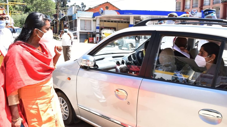 ஆட்சியர் இன்னசென்ட் திவ்யா