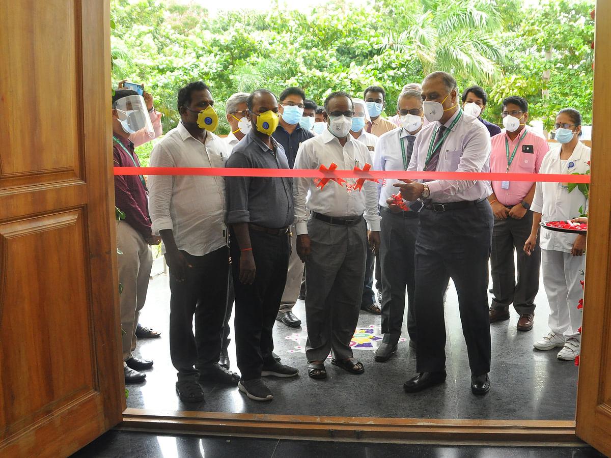 காட்டாங்குளத்தூர் எஸ்ஆர்எம் மருத்துவமனையில் 200 படுக்கைகளுடன் புதிய கொரோனா சிகிச்சை மையம்!