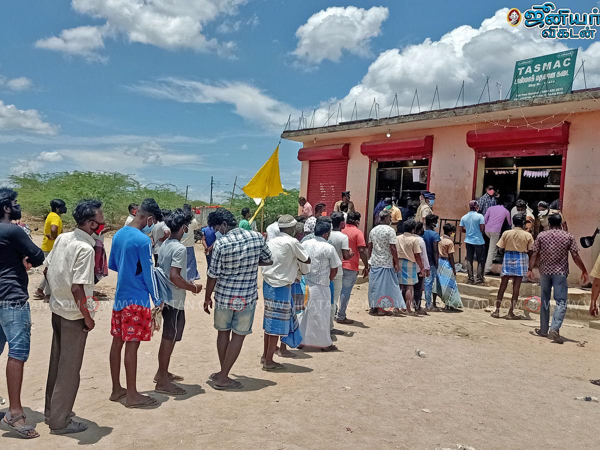Vikatan Poll: கடந்த 2 நாள்களில் தமிழகத்தில் ரூ.800 கோடிக்கும் அதிகமாக மது விற்பனையாகியிருக்கிறதே?!