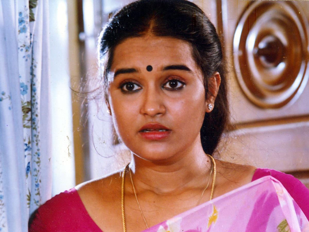 ''இரவு 12 மணிக்கு போன் செய்த ரசிகர்''-  நெகிழும் நடிகை சித்ரா!