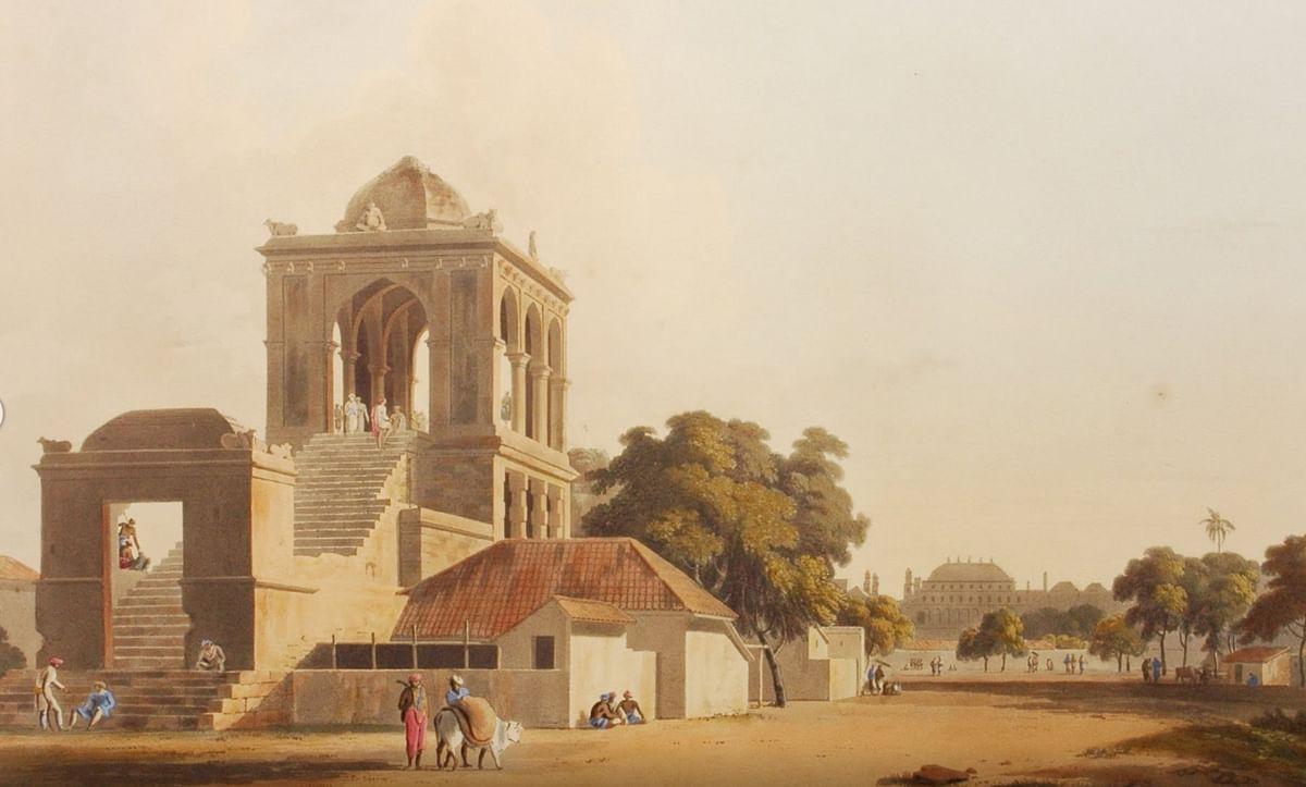 கீழமாசி வீதியில் உள்ள கண்காணிப்பு கோபுரம்