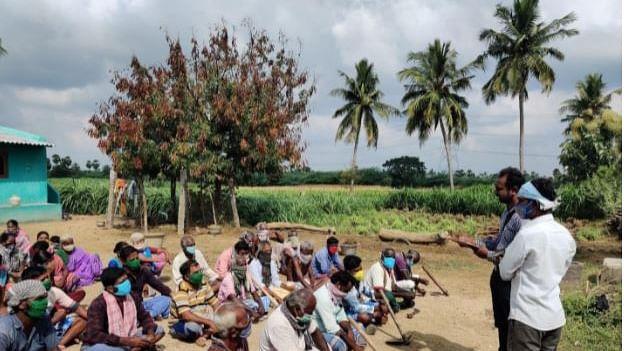 கடலூர் நூறு நாள் வேலை பணியாளர்களிடம் நடத்திய நேர்காணல்