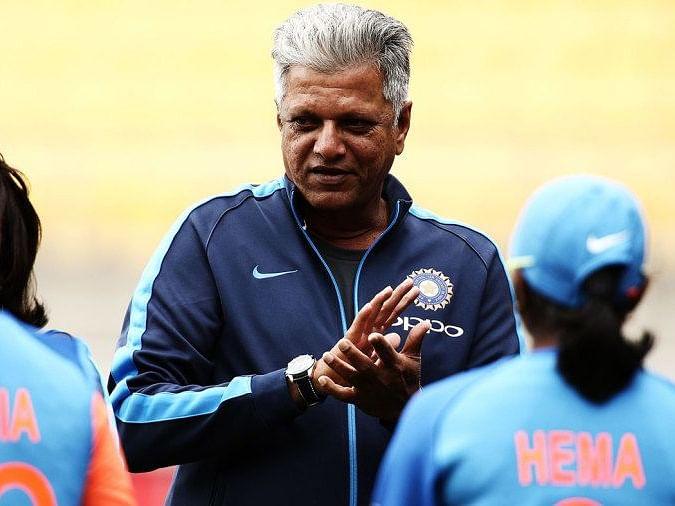 இந்திய மகளிர் கிரிக்கெட் அணியின் பயிற்சியாளர் W.V.ராமன் ஏன் மாற்றப்பட்டார், பிரச்னை எங்கே?
