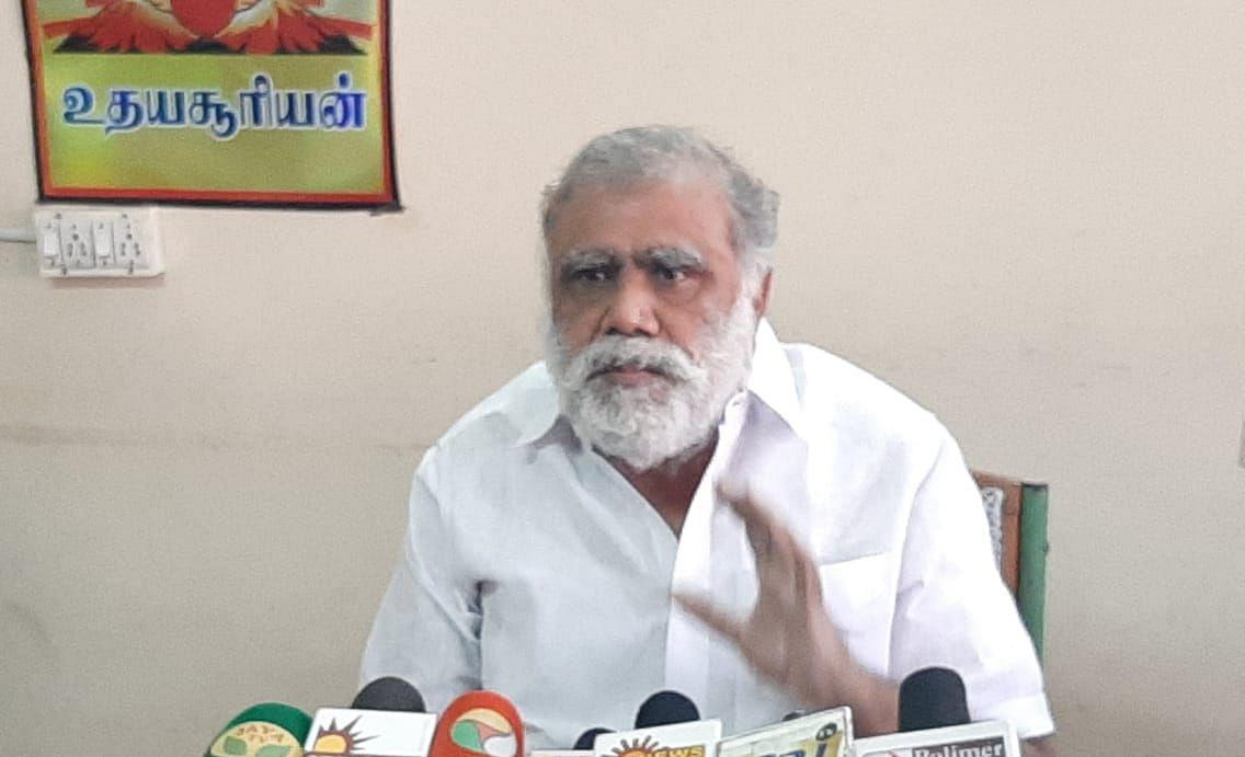 கூட்டுறவுத்துறை அமைச்சர் ஐ.பெரியசாமி
