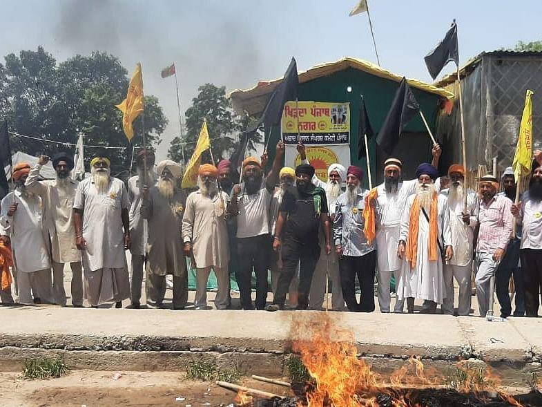 Farmers Protest: `வேளாண் சட்டங்கள் வாபஸ் ஆகும் வரை போராட்டம் தொடரும்!' - விவசாயிகள் உறுதி